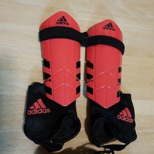 Adidas children's size small soccer shin guards